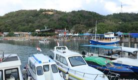 gallery/labuan-bajo/boats-anchored-in-labuan-bajo-flores-3.jpg